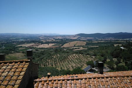 Bilocale panoramico in antico borgo - Flat