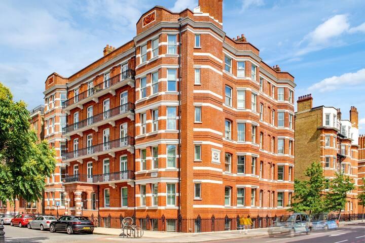 Modern Kensington Chelsea Flat, 1 Min to Tube