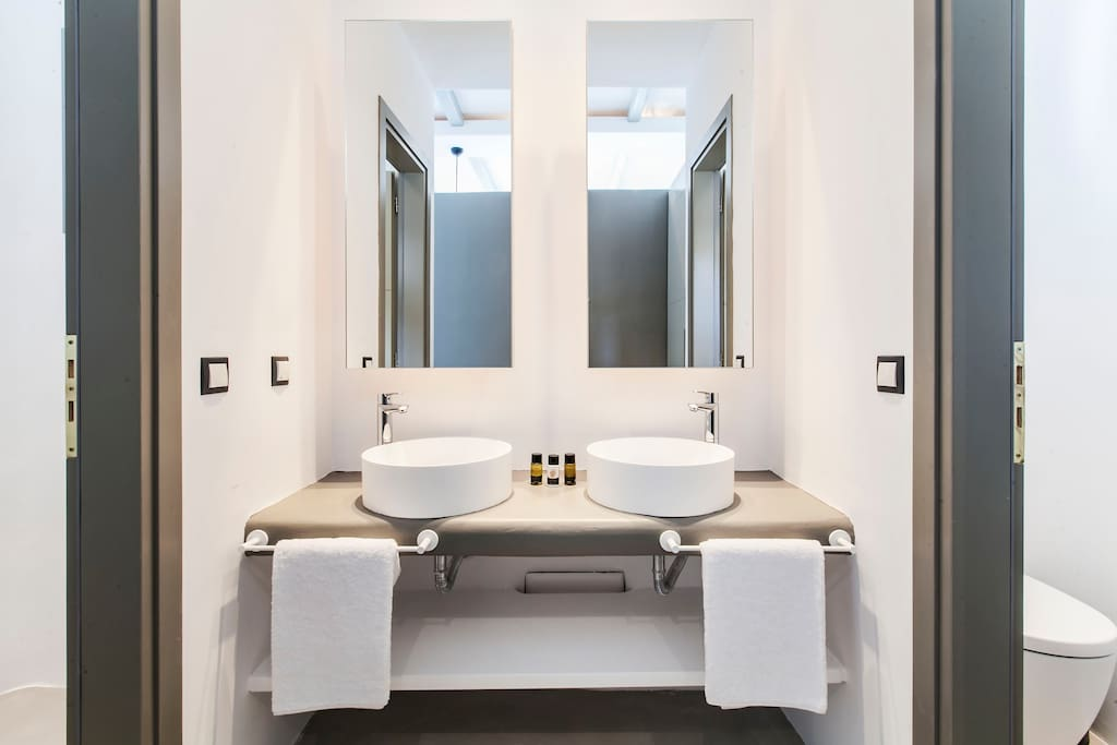 Master bedroom private bathroom first floor