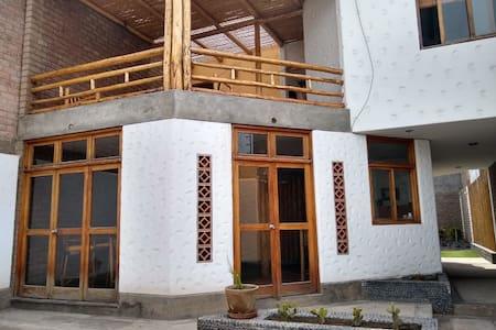 Casa de Playa Punta hermosa Planicie Pico Alto