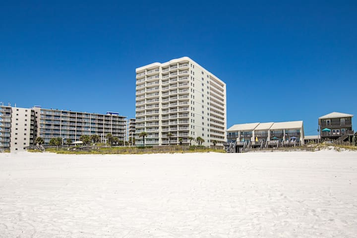 Dog-friendly waterfront condo w/ beach access, shared pools, & a grilling area