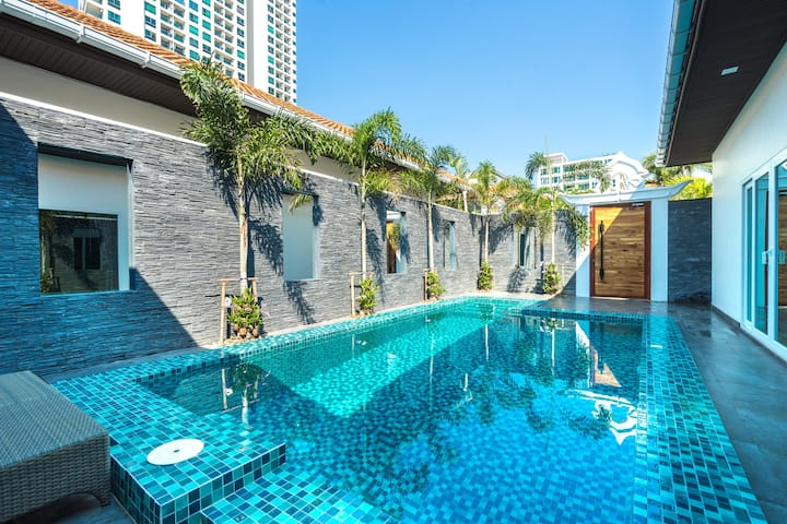 Pool Villa at Majestic Residence, walk to beach