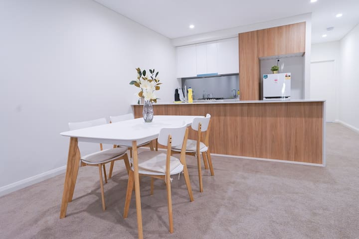 Ashfield Brand New Apartment with Clean Big space