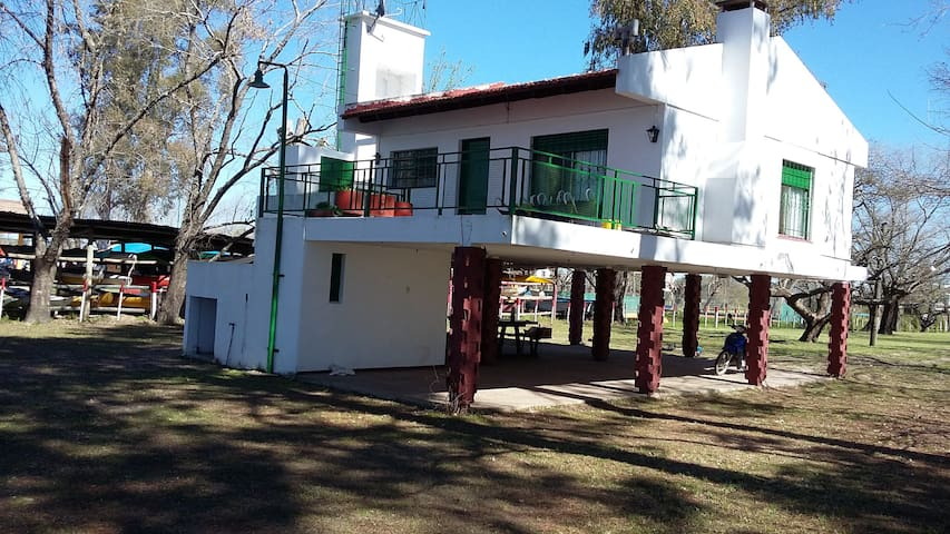Casa en costa del Río Gualeguay