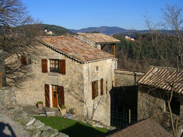 Maison en pierres Sud Ardèche - Montréal - Talo