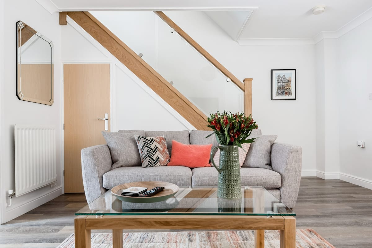 Cosy and Stylish Townhouse in Historic Chester.
