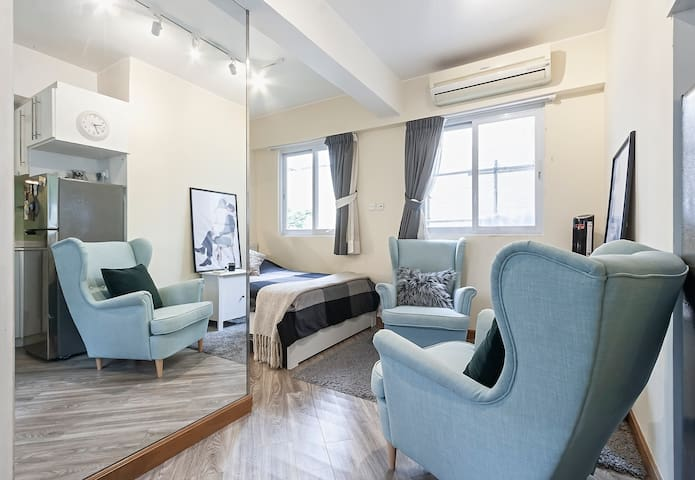 Quiet, cozy studio, Located in soho, central,