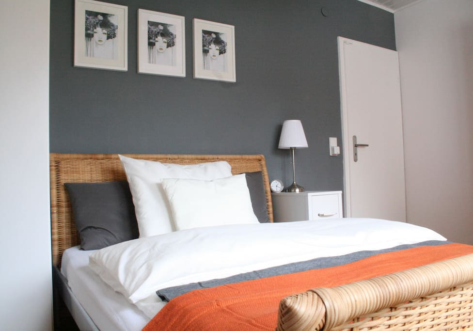 A 1,40x2,00m bed offers enough space for a good night of sleep