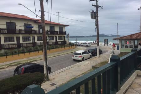 Flat confortável em condomínio de frente à praia - Cabo Frio - Serviced apartment
