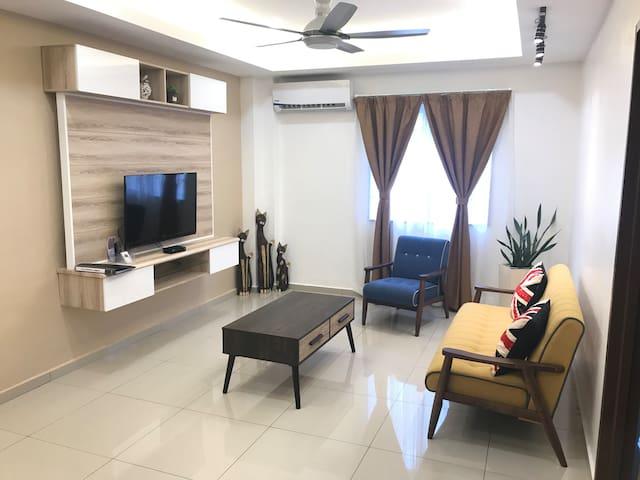 Spacious and Modernly Design Living Room