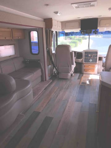 Gorgeous RV DELIVERED - begin your adventure!