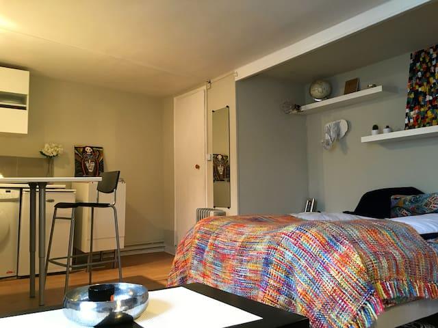 Studio avec le lit