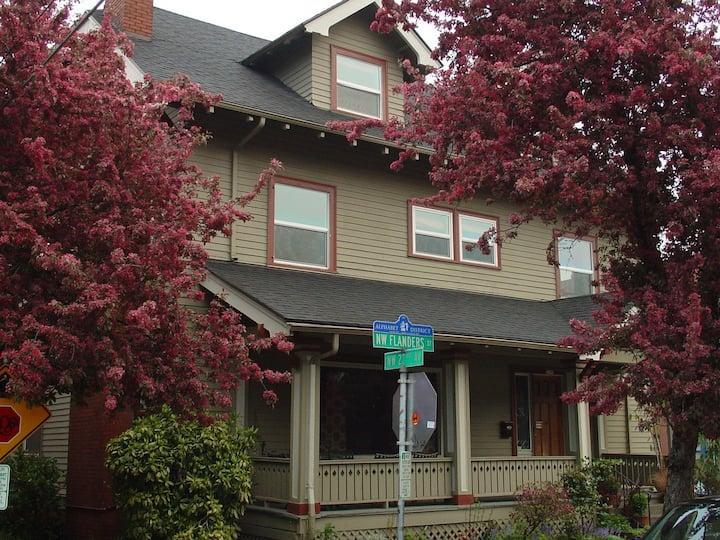 Portland International Guesthouse - Room 1