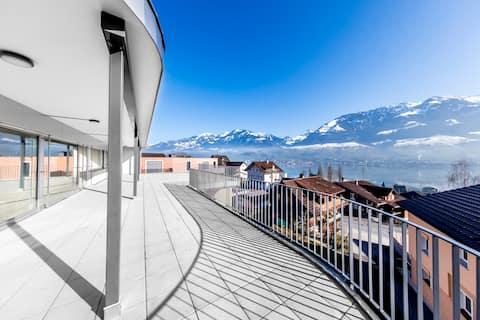 Villa Sunshine: safe retreat, hideaway, ski