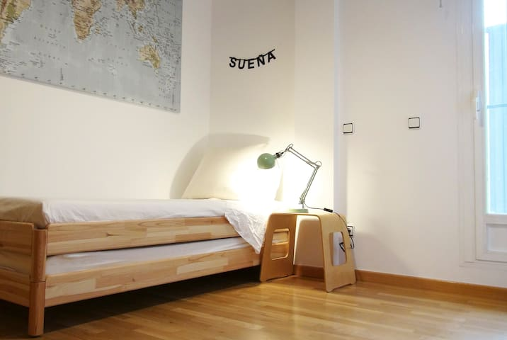 Room 2 prepared for 1 person (bed size: 80x200cm)