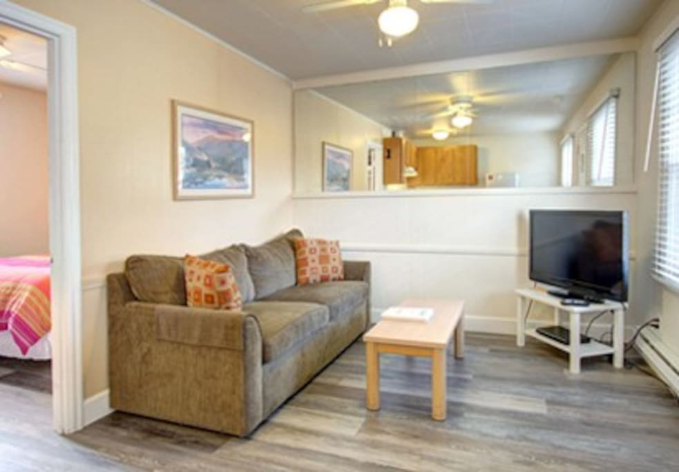 A great place to relax and sleep one block from the beach!