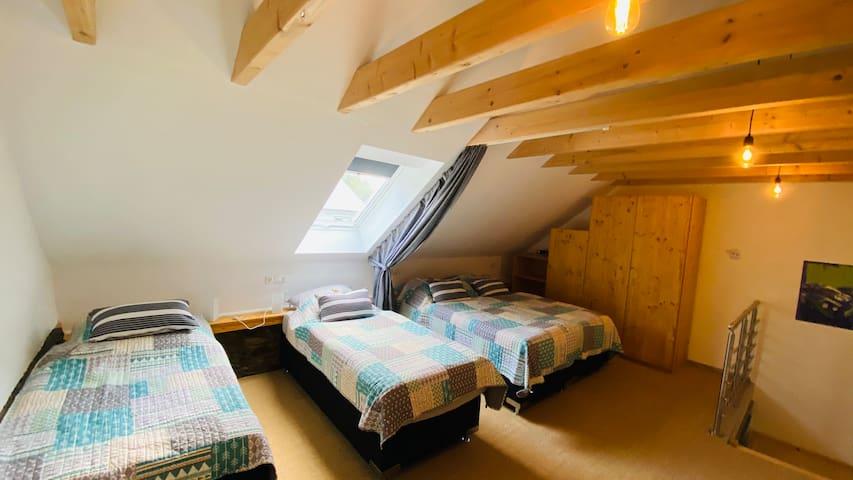 Das Schlafzimmer bietet Platz für 4 Personen