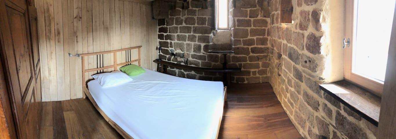 chambre 2 climatisée ( 1 lit de 140)
