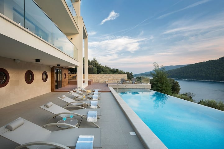 Luxury Villa Labin Palace II with private pool by the sea in Labin - Istria