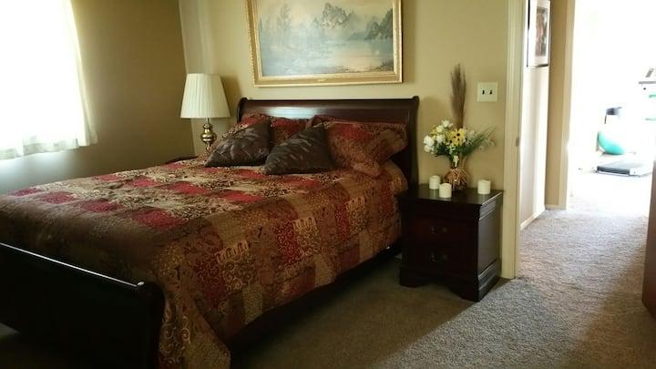 Private 1 bedroom-Pet friendly Apt. 2nd floor