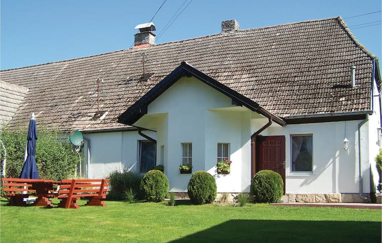 Holiday apartment with 2 bedrooms on 70 m² in Retowo 4