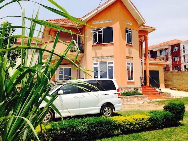 Celandine House, Bukasa Road, Muyenga Kampala - Kampala - Ev
