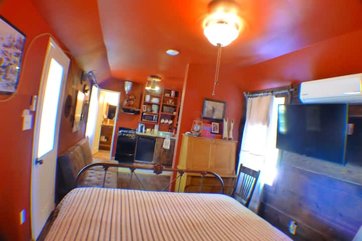 SUNNY SOUTH CABIN #5