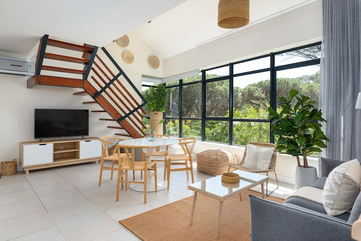 Peaceful Camps Bay Apartment Surrounded by Nature