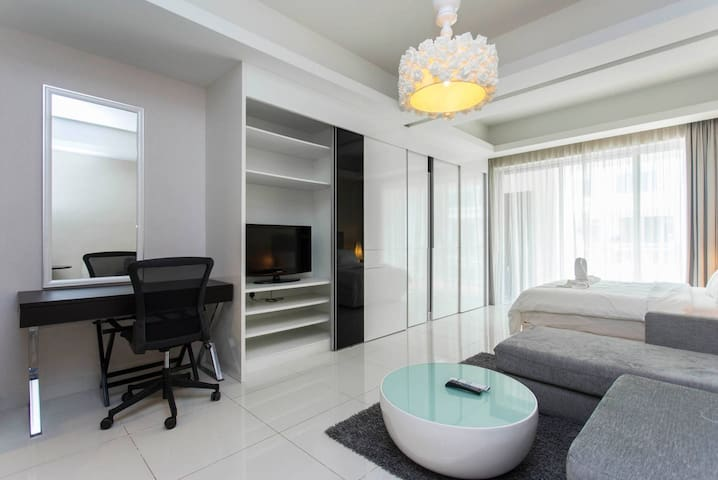 Studio B5 Comfortable Apartment Mont Kiara by Mall