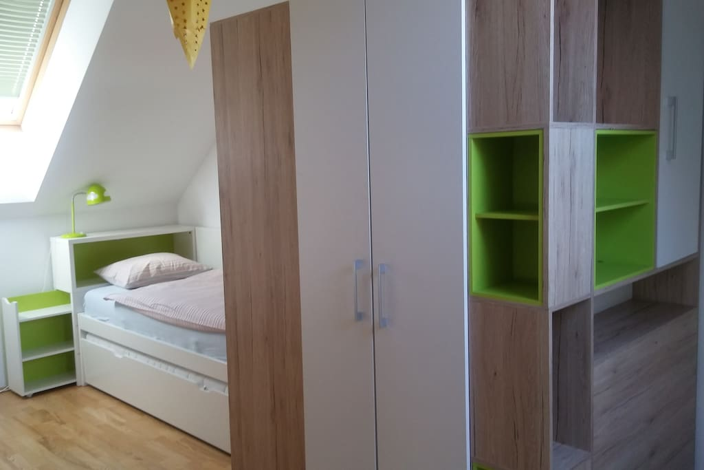your room with a walk-in closet