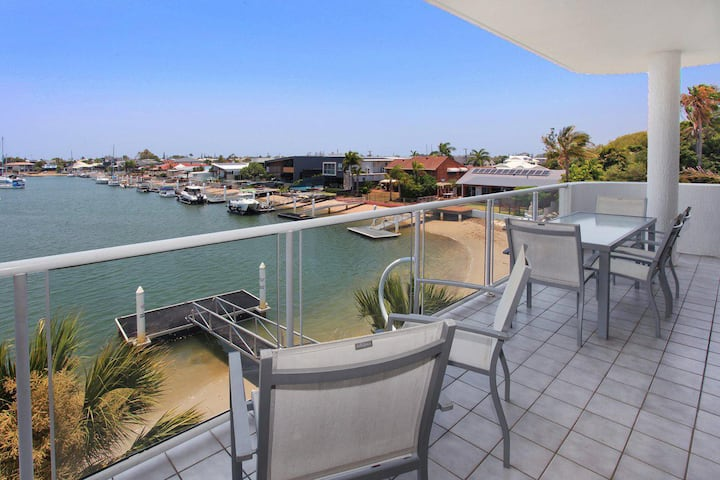 Serenity Waters 9 - 3 Bedroom Apartment with Stunning Water Views