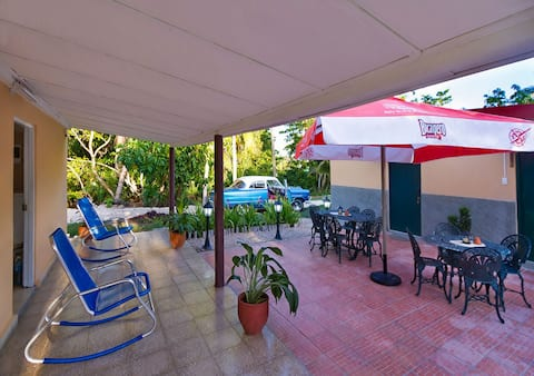 Casa Lucie + WIFI, en Playa Larga, Cuba (Room 1)