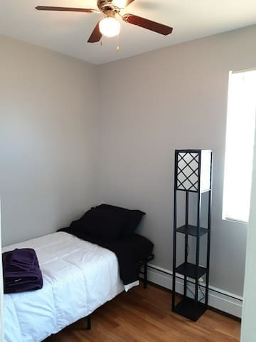Newly renovated, quiet, comfy home bdrm3