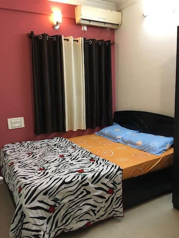 1 BHK in the heart of the city