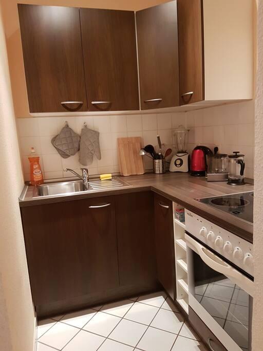 ruhige 2 zi whg im szeneviertel dresden neustadt wohnungen zur miete in dresden sachsen. Black Bedroom Furniture Sets. Home Design Ideas