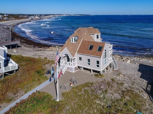 Family-friendly, gorgeous oceanfront property.