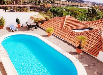 Casa Óscar, piscina privada.