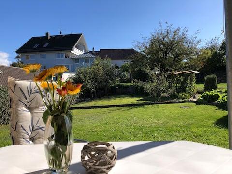 Schöne Ferienwohnung mit Terrasse und Garten