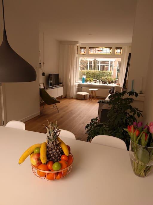light and spacious livingroom