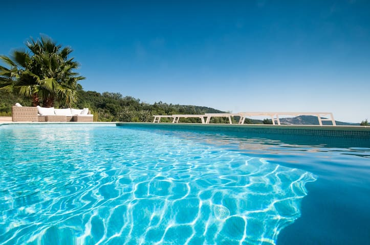 Spacious villa with pool, terrace, panoramic view
