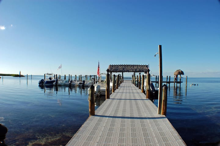 WATERFRONT IN ISLAMORADA  - MARINA/BEACH ACCESS!