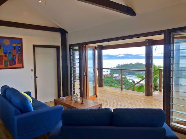 Jodie's Retreat Savusavu Luxury 4 Bedroom Home