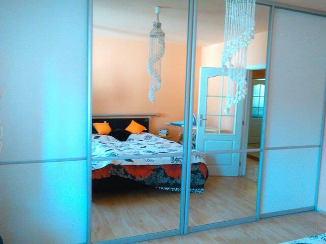 Ubytování v rodinném domku - Opava - Hus
