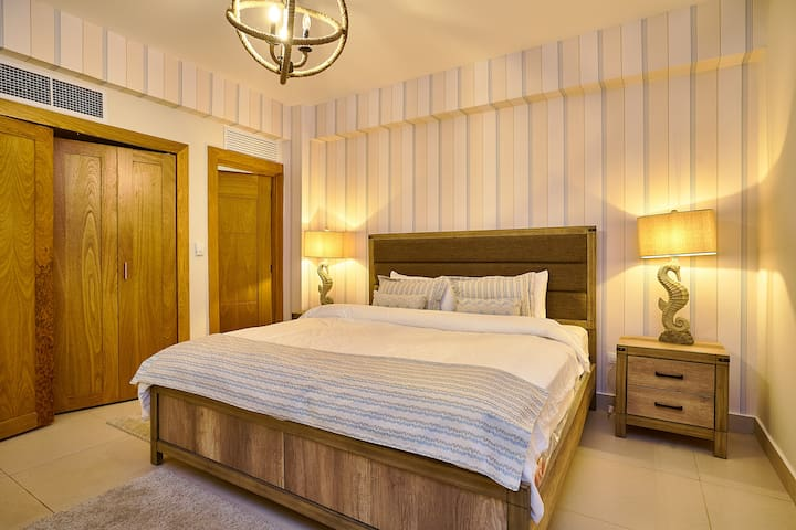 Master Bedroom, One King Bed