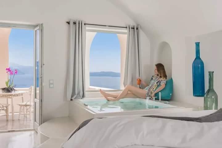Honeymoon Suite with Indoor Cave Plunge Pool
