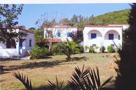 Villa Asteria - Bungalows am Meer mit Meerblick - Ilia - Talo