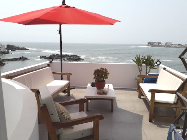 Frente al mar. Beach front apartment, San Bartolo