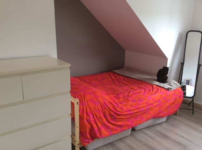 Chambre, grise - La Roche-Bernard