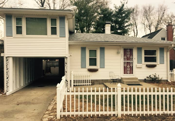 Entire home Charming 2 bdrm. in Springfield Il