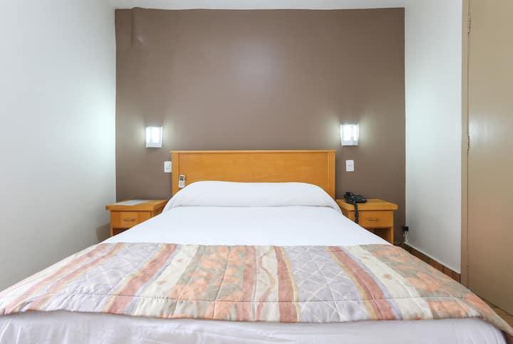 Quarto inteiro Hotel  próximo metro Brigadeiro